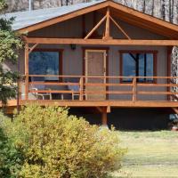 Woodlands fishin resort, hotel em Puntzi Lake