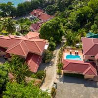 Glacis Heights Villa, отель в Виктории