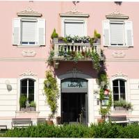 Hotel Liberty, hotel in Levico Terme