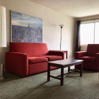 Beausejour Hotel Apartments/Hotel Dorval, hotel perto de Aeroporto Internacional de Montreal - Pierre Elliott Trudeau - YUL, Dorval