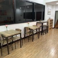 Happy Home Hostel, hotel in zona Aeroporto di Bangkok-Suvarnabhumi - BKK, Bangkok