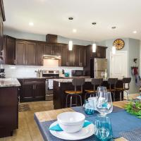 Executive Mountain Style Home -5 Minutes to WEM -Free Netflix and Garage Parking!