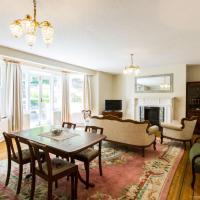 Elegant 3BDR apartment in Hove close to the beach!