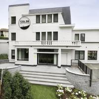 Upscale Mansion in Kluisbergen with Sauna and Terrace, hotel in Kluisbergen