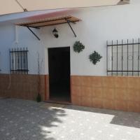Casita a 800 metros de Sevilla, hotel in Camas