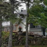 Le Cedar Lodge, hotel em Val-Morin