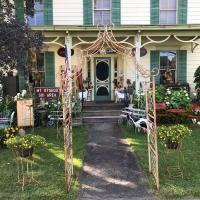 Glimmerglass GuestHouse