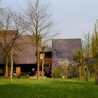 Kwadraat!, hotel in Wichelen