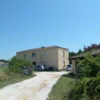 T3 WALIBI, hotel near Agen La Garenne Airport - AGF, Estillac