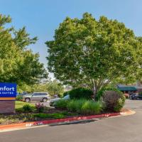 Comfort Inn & Suites Fayetteville-University Area, hotel in Fayetteville