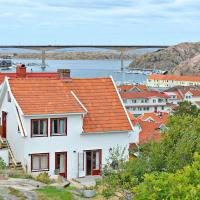 Two-Bedroom Holiday home in Kungshamn 1