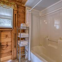 2 Bed 1 Bath Vacation home in Windham