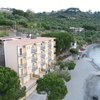 Hotel Riviera Lido, отель в Милаццо