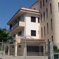 Residence Siena, hotell i Cirò Marina