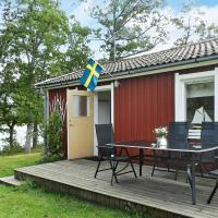 One-Bedroom Holiday home in Lysekil 12, hotell i Lysekil