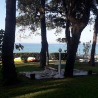 Into the sea apartment!!!, отель в Кассандре