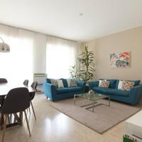 Spacious modern flat in a lively area