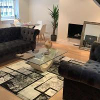 Stylish 2 Bedroom Mews in Central London