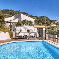 Cozy Cottage in Los Nogales with Swimming Pool, hotel in La Joya