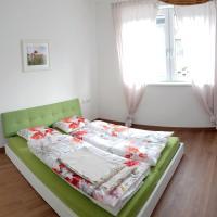 Moderne und gemütliche Wohnung, Hotel in Volders