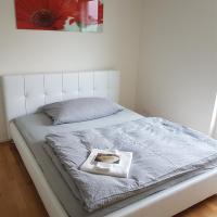 Zimmer in Penthouse-Wohnung, отель в городе Windisch