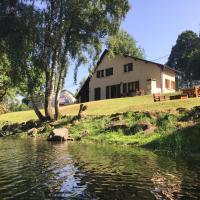 Maison Lac de Pareloup -LES PIEDS DANS L'EAU-, hotel in Arvieu