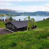 Chalet Panorama 1 - FJH300, hotel in Etnesjøen