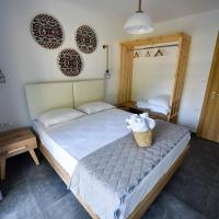 Lamda Deluxe Apartments, hotel in Keramotí