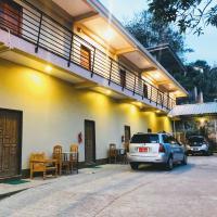 Pinlon Hostel, hotel in Mawlamyine