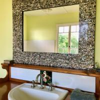 Noosa Avalon Farm Cottages, hotel em Pomona