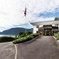 Olden Fjordhotel, hotell i Olden