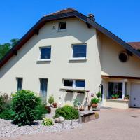Großzügige helle Ferienwohnung bis 4 Personen in Chalampe, Elsass, hotel in Chalampé
