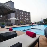 Oak Plaza Suites