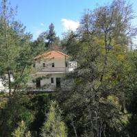 Chrystellie Group, hotel in Platres