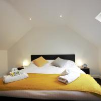 HU1 City Centre Hub (sleeps 6)
