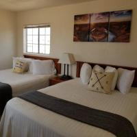 Private Suite Getaway near Grand Canyon Sleeps 6, Hotel in Valle