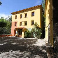 Alberg Roques Blanques, hotel in Ribes de Freser