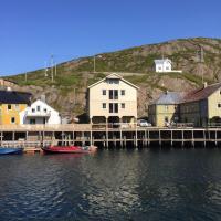 Holiday in the former fishing factory Arntzen-brygga
