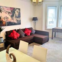 Very Spacious G.Floor Apartment w/Patio