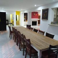 Liziwe's Guest House, hotel dicht bij: Internationale luchthaven Kaapstad - CPT, Matroosfontein