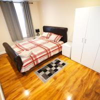 London Zone 2 Three Bedroom Apartment