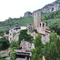 Residenza di Paese Castello del Poggio, hotell i Ferentillo