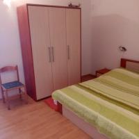 Apartmani Ivo Ukić, hotel in Prvić Šepurine