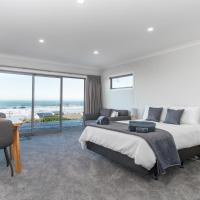 Kaka Point Views Apartment 2