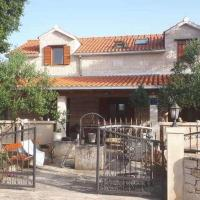 Holiday house with a swimming pool Skrip, Brac - 17350, hotel in Postira