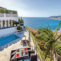 Three-Bedroom Holiday Home in Almunecar