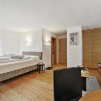 Guardalej 321, hotel in Champfer