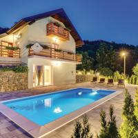 Three-Bedroom Holiday Home in Krasno Polje, hotel in Krasno Polje