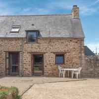 Holiday home Ploézal with a Fireplace 346, hotel in Pontrieux