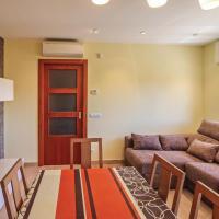 Three-Bedroom Holiday Home in Llagostera, hotel en Llagostera
